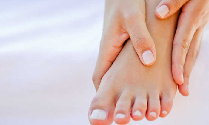 Affordable Foot & Leg Clinic - Hallandale Beach: $99 for Laser Toenail-Fungus Treatment for One Nail at Affordable Foot and Leg ($200 Value)