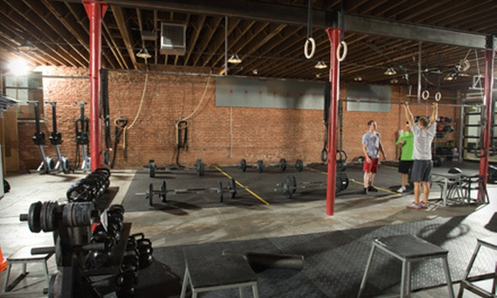 Crossroads Bootcamp - Hospital Hill: $39 for 12 Boot-Camp and CrossFit Sessions at Crossroads Bootcamp ($300 Value)