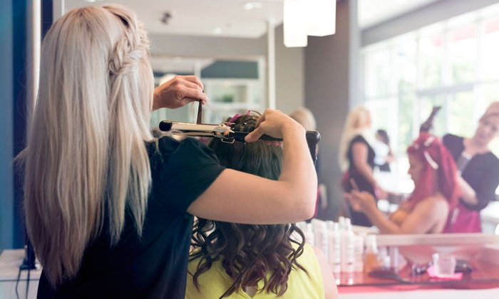 Blo Blow Dry Bar  - The Woodlands Waterway: $25 for a Blo Out at Blo Blow Dry Bar ($40 Value)