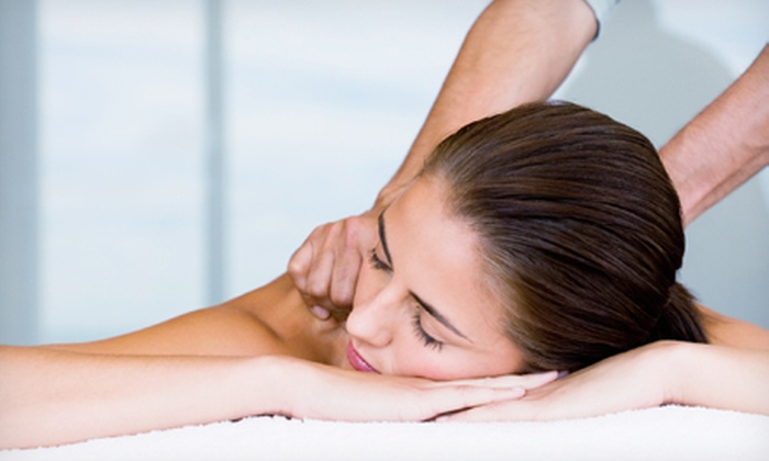 Wellness For Life - North Chesterfield: $50 for a Relaxation, Reflexology, or Hot-Towel Massage Package at Wellness For Life ($100 Value)