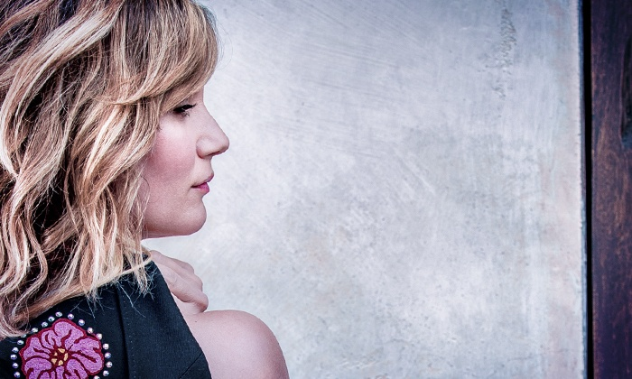 Jennifer Nettles - That Girl Tour - Cary's Booth Amphitheatre: Jennifer Nettles - That Girl Tour at Koka Booth Amphitheatre on August 3 at 7 p.m. (Up to 50% Off)