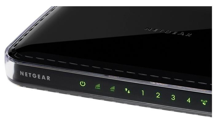 Netgear N600 Dual Band Wifi 4 Port Desktop Range Extender