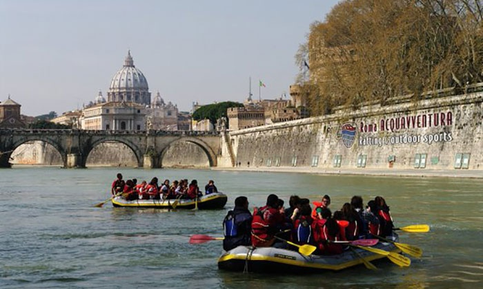 Roma Acqua Avventura - Roma: Discesa soft rafting sul Tevere per 2, 4 o 6 persone da Roma Acqua Avventura (sconto fino a 64%)
