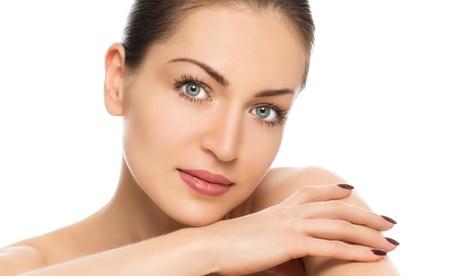 1 o 3 sesiones de limpieza facial con mascarilla y 2 tratamientos a elegir desde 19,95 € en American Secrets Granada