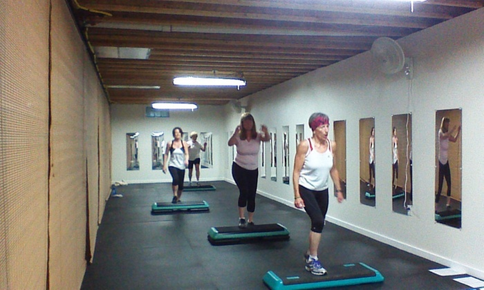 Kettlebell Mania Exercise Studio - Wilmington-Newark: Four Weeks of Fitness and Conditioning Classes at Kettlebell Mania Exercise Studio (67% Off)