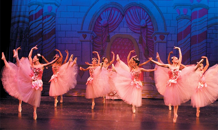 """""""The Nutcracker"""" - St. George Theater: Vicky Simegiatos Dance Company's """"The Nutcracker"""" with New York City Ballet Principal Dancers on Dec. 20 at 1 p.m. or 6 p.m."""