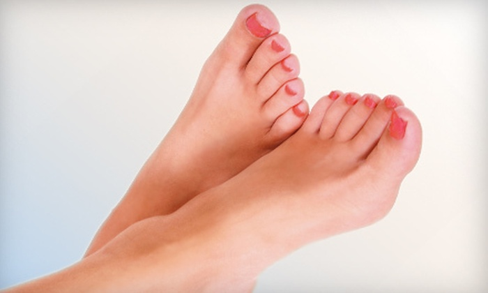Amoré Laser - Amore Laser: Laser Toenail-Fungus Removal for One or Both Feet at Amoré Laser (Up to 77% Off)