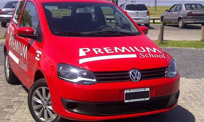 Premium School - Múltiples sucursales: $439 en vez de $1820 por 4 clases prácticas de manejo + material teórico en Premium School