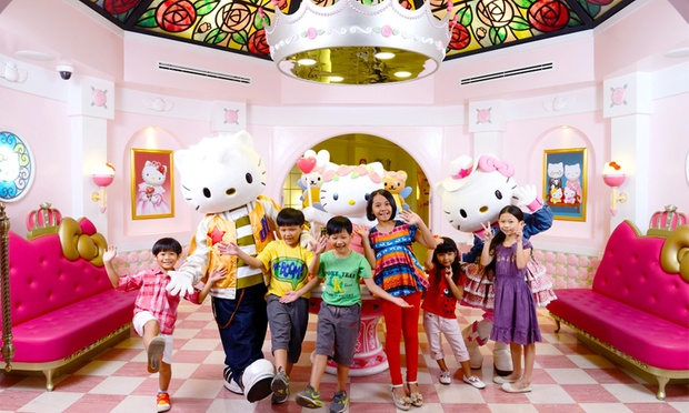 JB: Hello Kitty Town with Coach 0