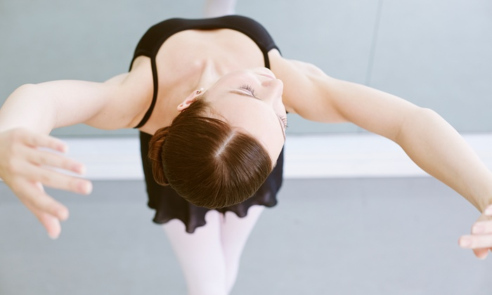 Claim to Fame LLC - Butler: Four Dance Classes from Claim to FAme LLC (49% Off)