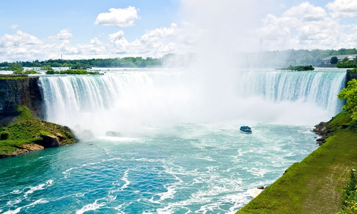 Quality Inn & Suites - Niagara Falls, Ontario: Stay with Family or Couples Package at Quality Inn & Suites in Niagara Falls, ON. Dates into September.