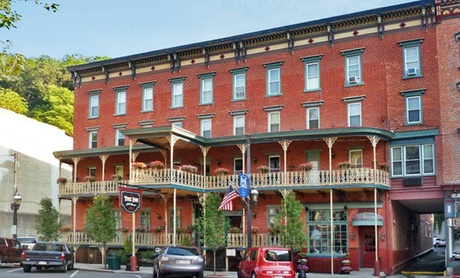 19th-Century Inn in Quaint Pennsylvania Town