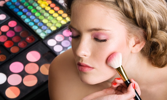 Passion Beauté - Viry Châtillon: 1h de cours de maquillage en solo ou en duo avec des produits de grandes marques dès 19,90 € chez Passion Beauté