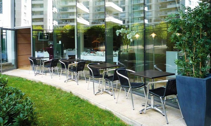 Residhome appart hotel courbevoie la d fense for Appart hotel paris 5 personnes