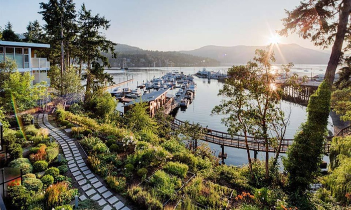 Brentwood Bay Resort & Spa - Brentwood Bay, BC: Stay with Optional Spa or Dining Credit at Brentwood Bay Resort & Spa in Brentwood Bay, BC; Dates into April Available