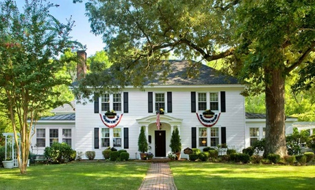 White House–Themed Inn by Colonial Williamsburg