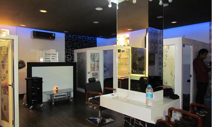 Haircut hair spa facial waxing and more at hair logics for F salon vaishali nagar