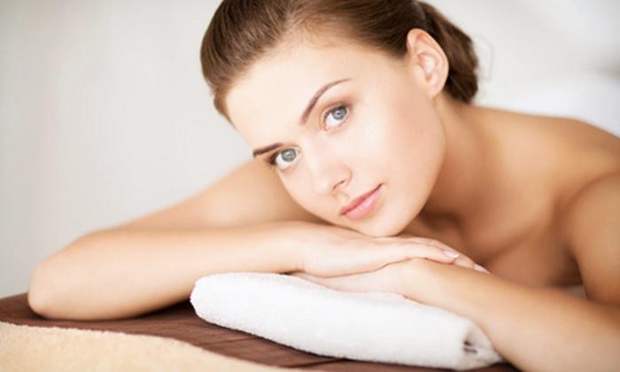 Rosângela Estética - Niterói: Rosângela Estética – Icaraí: 1, 3 ou 6 meses de peeling corporal e massagem relaxante ou modeladora, a partir de R$ 69