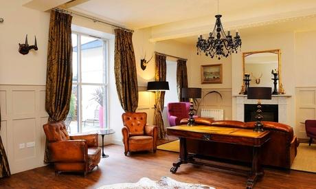 Edimburgo: habitación estándar, grande o con 4 pilares para 2 con desayuno, té, prosecco y late check-out