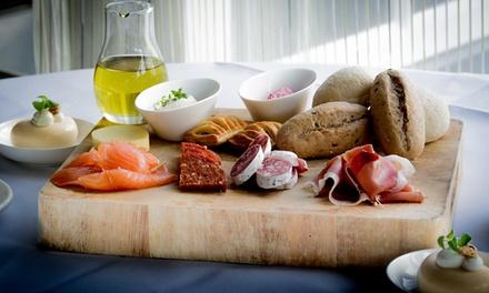 Luxe lunch voor 2 tot 8 personen bij Grand Bistro '1688' in het Sandton Hotel De Roskam, midden in de bossen bij Rheden