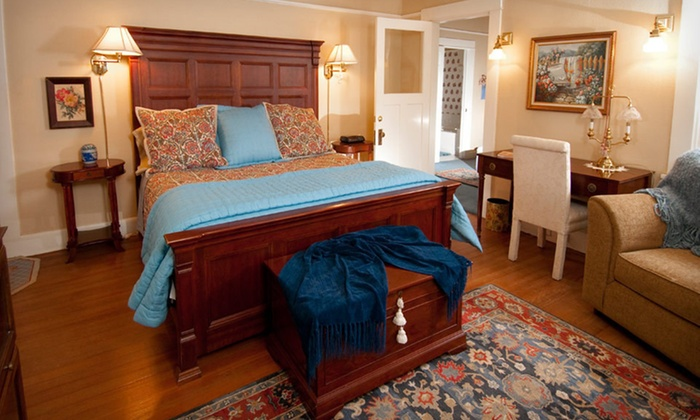 The Cotton Palace - Austin Avenue: Two-Night Stay at The Cotton Palace in Waco, TX