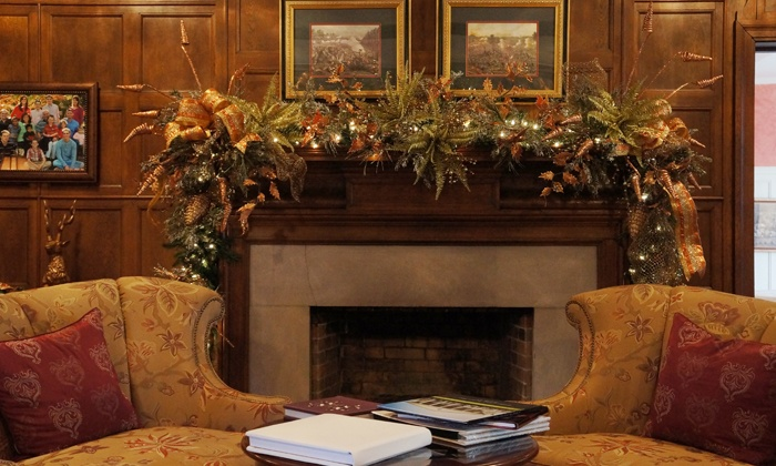 Historic Rosemont Manor - Berryville, VA: $20 for a Christmas Tour for Two at Historic Rosemont Manor ($32 Value)