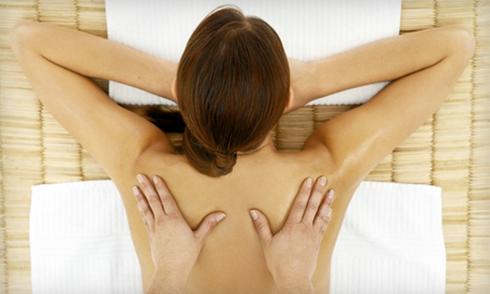 Hue Spa Detox Clinic - Willowdale: $35 for a 60-Minute Detox Deep-Tissue Massage with Aromatic Oils and Hot Stones at Hue Spa Detox Clinic ($80 Value)