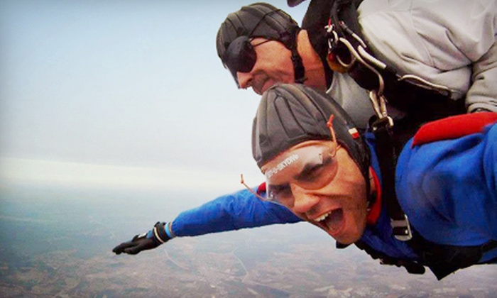 Skydive Kentucky - Elizabethtown: $209 for Tandem Skydive for One with Handcam Video at Skydive Kentucky (Up to $275 Value)