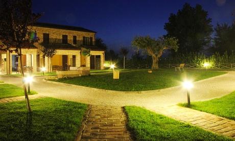 Riviera del Conero: fino a 7 notti per 2 persone in mono o bilocale con cena opzionale al Residence Casale Torrenova