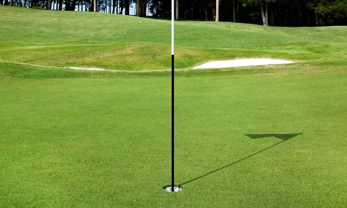 Knollwood Golf Club - Ancaster: C$68 for 18 Holes of Golf for Two with a Golf Cart at Knollwood Golf Club (C$136 Value)