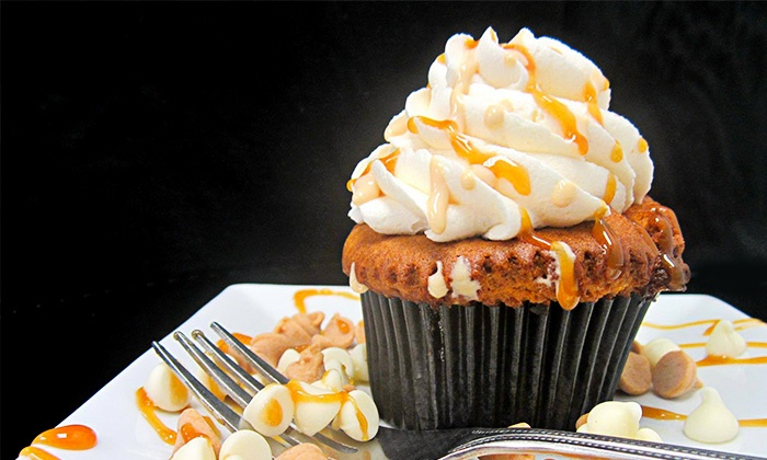 Frosted Cupcakes - Highlands/Perkins: Two or Four Dozen at Frosted Cupcakes (Up to 61% Off)