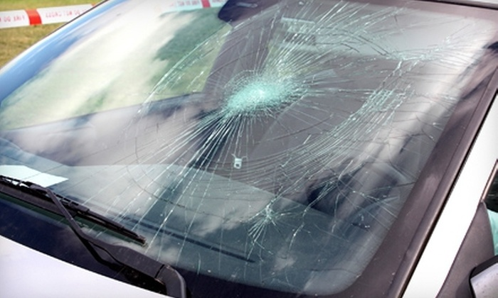 West County Auto Body - Saint Louis: Windshield-Chip Repair or $29 for $130 Toward Windshield Replacement at West County Auto Body