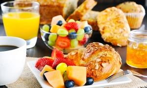 Maximilian: Sonntags-FrühstücksbuffetAll-you-can-eat für Zwei oder Vier im Maximilian