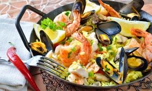 La Churrería: Paella mit Fleisch und Meeresfrüchten inkl. Wein, Aioli, Brot für Zwei od. Vier in der La Churrería (bis zu 51% sparen*)