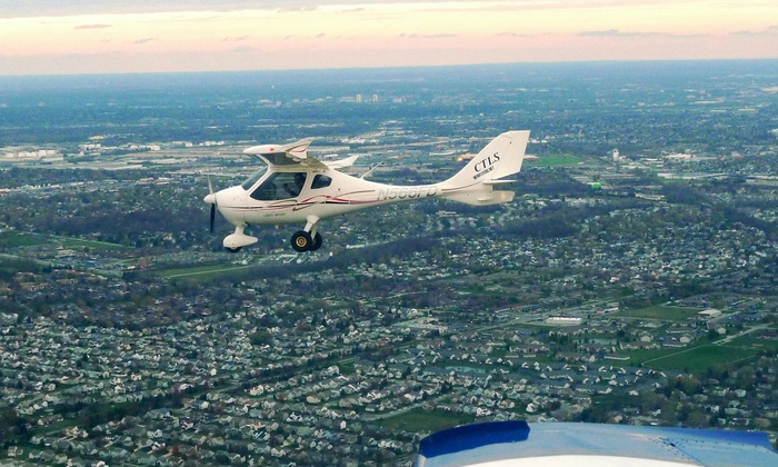 New Flyers Association - Don Scott: $111 for One 60-Minute Introductory Flight Lesson at New Flyers Association ($149 Value)