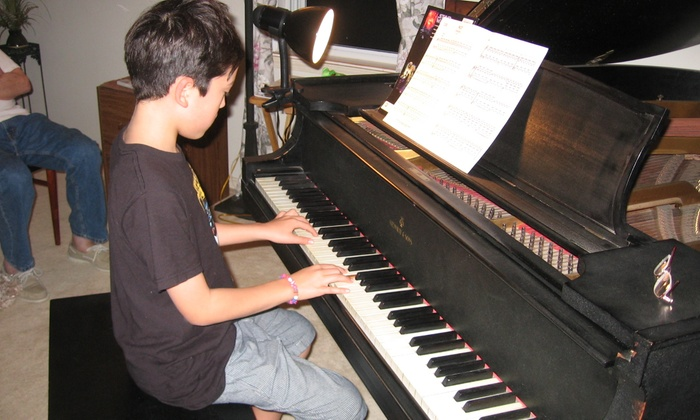 Putnam Piano - West Concord: 30-Minute Musical Instrument Lesson at Putnam Piano