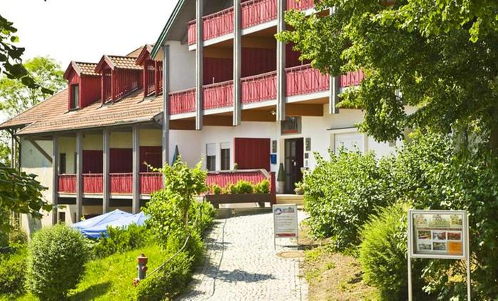 Bayern: 2-7 Nächte für Zwei mit Frühstück, opt. mit 1x Wohlfühltherme, im Appartementhaus Rottalblick