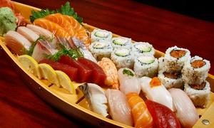 Toshi Sushi: Japanse Harumaki mini-loempia's + sushiboot voor 2 tot 4 personen bij Toshi Sushi