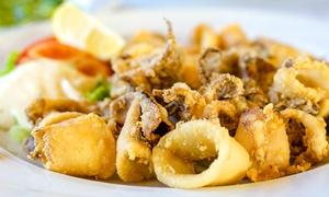 Squalo Bianco: Menu di pesce da 4 portate e bottiglia di vino (sconto fino a 79%)