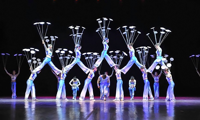 """National Acrobats Of People's Republic Of China - Downtown: National Acrobats and Circus of China: """"Peking Dreams"""" on October 23 at 8 p.m."""
