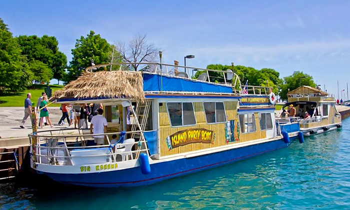 Island Party Boat - Chicago Lakefront: $25 for a 90-Minute Weeknight Cruise for One from Island Party Boat ($49.50 Value)