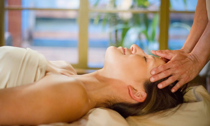 "El León Spa - West Hollywood: $95 for ""The Rock Star"" with Reflexology, Thai Massage & Organic Masque at El León Spa ($195 Value)"