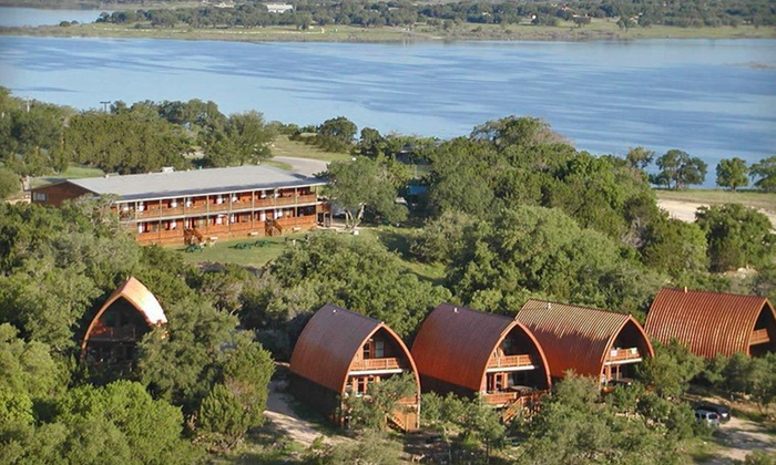 Canyon Lakeview Resort - Canyon Lake, Texas: One- or Two-Night Stay with Wine Tasting for Two at Canyon Lakeview Resort in Canyon Lake, TX