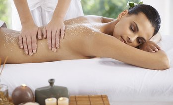 Up to 60% Off on Spa - Body Wrap (Services) at Réfinne Skin