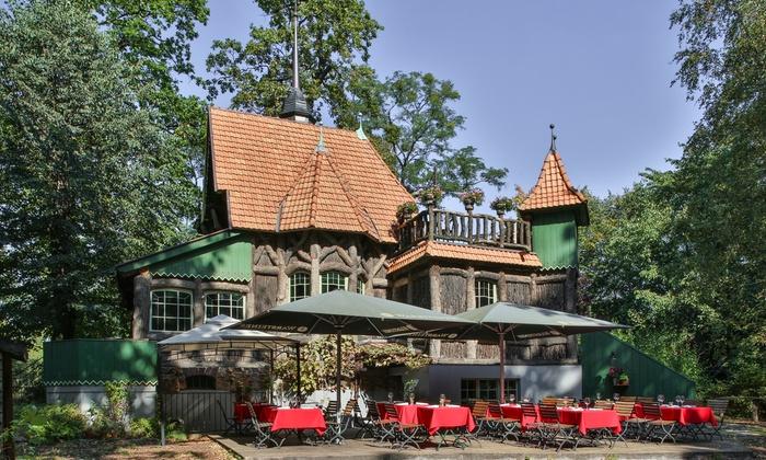 Hexenhaus - Hexenhaus: French Classic Dinner für Zwei mit Chateaubriand sowie Champagner im Hexenhaus (29% sparen*)