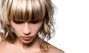 אמיר מזרחי מעצבי שיער: מעצב השיער אמיר מזרחי: תספורת + פן 89 ₪, צבע + פן ב-109 ₪, החלקת קראטין 299 ₪ או יפנית ב-599 ₪ בלבד. גם בשישי
