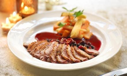Menu en 3 services comprenant entrée, plat et dessert pour 2 personnes à 44,90 € au restaurant Le Grand Escalier