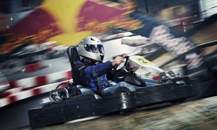 14 heats karten op de 1,3 km lange kartbaan bij Van der Ende Racing Inn in Poeldijk