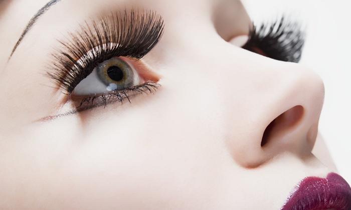 flora - flora: 【最大64%OFF】マスカラいらずの瞳で、≪ミンクまつげエクステ+オフ/最大120本 or 最大150本≫ @flora