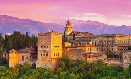 Granada: 1, 2, 3 o 5 noches con detalle en solo alojamiento o con desayuno en Hotel Calderón, en Cenes de Vega